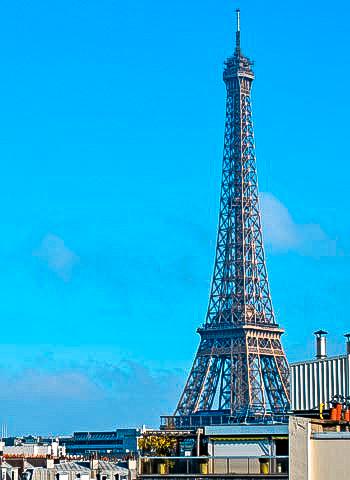 Korrosionsschutz am Eifelturm in Paris durch Industriekletterer