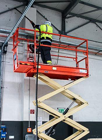 Hallenreinigung durch Industriekletterer in Leipzig