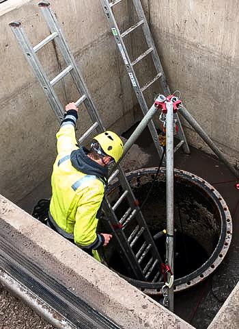 Schachtrettung durch Höhenarbeiter der IBE Industrieservice GmbH