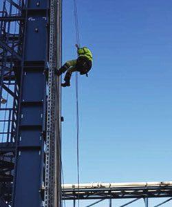Industrieklettern: Montage durch IBE Industrieservice