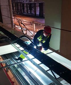 IBE Industrieservice reinigt Ihre Produktionshallen